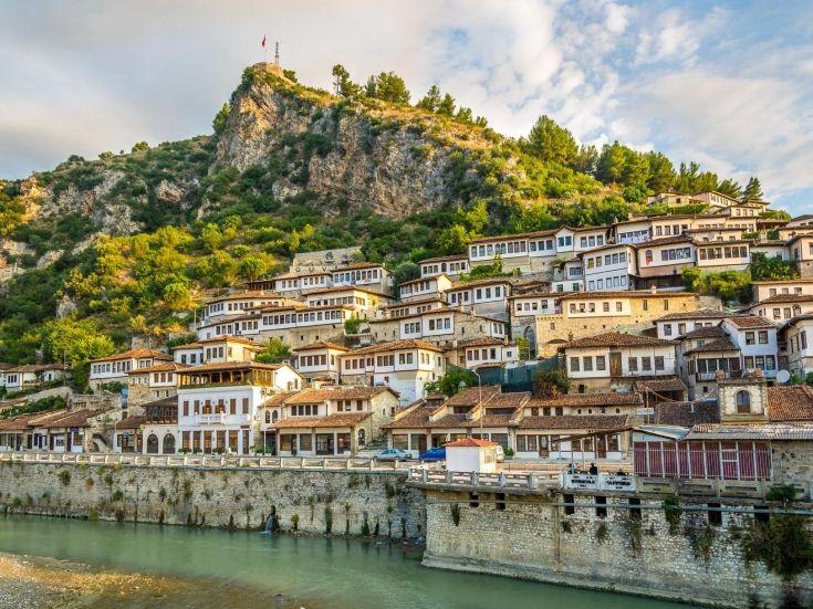 Albanija, Jesenje putovanje